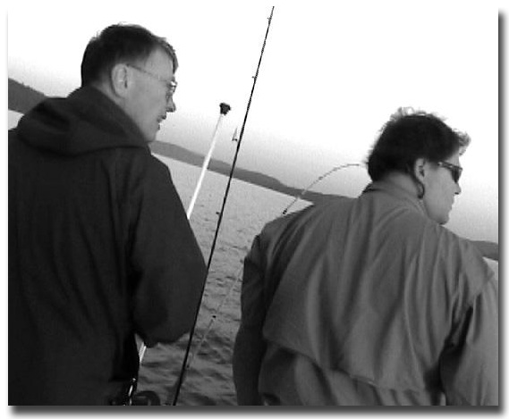 Alan & the author discussing fishing techniques.