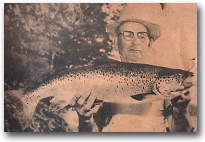 "A 10.5 pound, 30"" salmon caught by George Hunt in Lake Winni on a fluorescant Mooselook Wobbler in 1946."