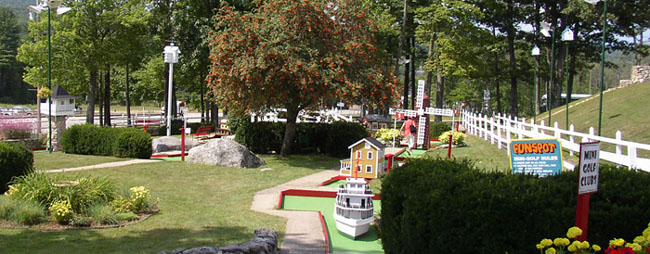 Mini-Golf - Lake Winnipesaukee